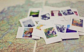 Op je knieën boven de landkaart – Blog
