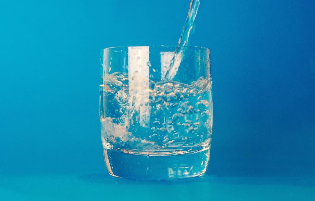 Glaasje water is de oplossing voor alles